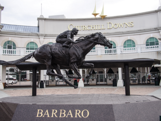 lou - churchill downs